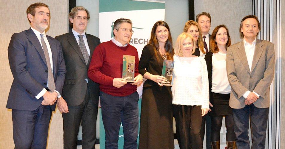 Miembros-Hay-Derecho-del-Jurado--ganadores-Premio